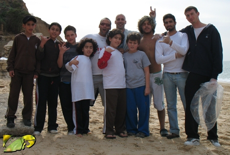 Chico, Yohay, Erick and the young surfers from the surf school Chics