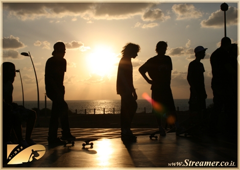 Atumn at the skatepark Ashqelon, The Golden rays of the sun lights the competition atmosphere. Photos from the event at the skatepark are now available on Gallery