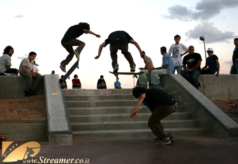 Eye Vision 3X3... Same guy jumps the stairs with a skight turn - Takeb from New years skateboard gallery