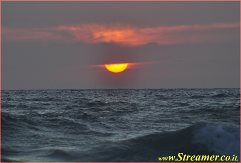 "<div align=""center""><strong>The sun is setting on the mediteranean sea</strong><br /></div>"