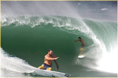 "<font color=""#333333""><strong>Joel Parkinson is only a few tubes from the world championship, At the Pipeline Masters in Hawaii he'll be competing the White Tiger, Mick Fanning. The competiton will be broadcast live -<a href=""http://streamer.co.il/news/view/142/""> Link and details here</a></strong></font>"