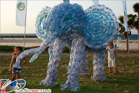"<div align=""justify""><strong>Elephants on the beach..? A gree festival at  Ashqelon Dalila beach. The Elephsnt is made of Plasic bottles...:)  Photos from the festival will be available in the next few days</strong></div>"