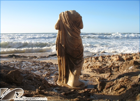 "<font color=""#333333""><strong>After the big storm and the collapse of the clifs in Ashqelon an anciant&nbsp; Roman archiological statue was revealed. The Statue made of white marble is of the Victory goddes Nikei. <a href=""http://streamer.co.il/live"">Watch the special clip of the magnificent statue finding</a>. watch the new video from <a href=""http://streamer.co.il/live/?file_id=609"">the damages after the heavy storm</a> 14.12.2010</strong></font>"