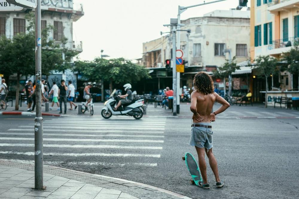 """""""התמונה הזו ריגשה אותי מאוד..."""" מידן על צומת רחובות אלנבי-קינג ג'ורג'. תמונה: michal siergiejewicz"""