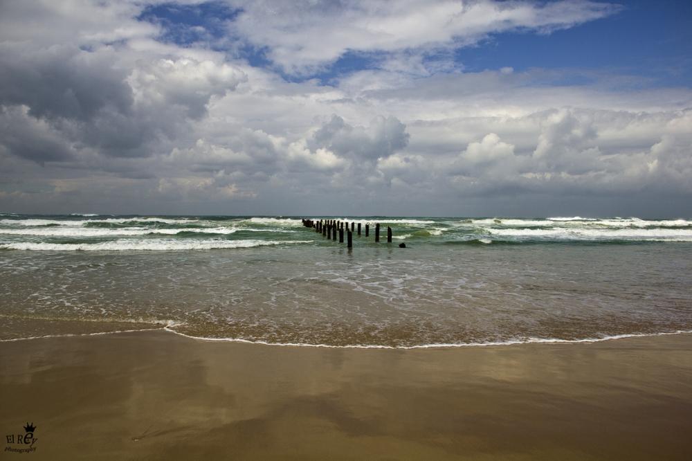 חוף בית ינאי ביום שמש חורפי, 2011.